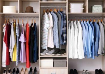 Ketahui Jenis Pakaian yang Perlu Ada di Gantungan Baju
