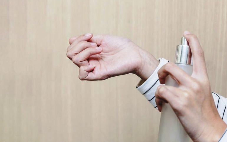 Tips Memakai dan Memilih Parfum Wanita agar Wanginya Tahan Lama