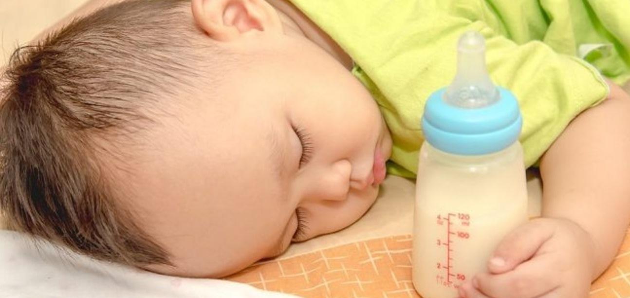 Ketahui Tanda-Tanda Bayi Anda Alergi Susu Sapi dan Cara Mencegahnya